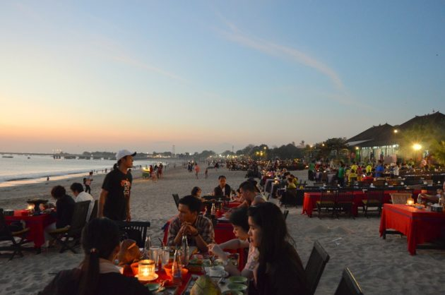 Večera na pláži Jimbaran