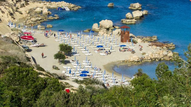 Pláž Konnos